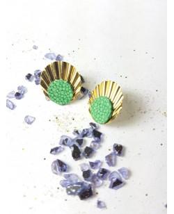 Boucle d'oreille plaquée or et galuchat vert