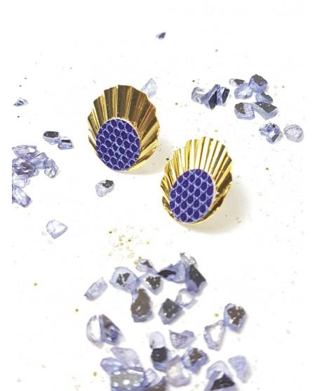 Boucle d'oreille plaqué or et lézard violet