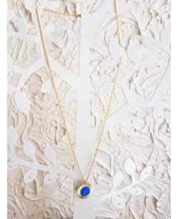 Collier et pendentif plaqués or et alligator bleu